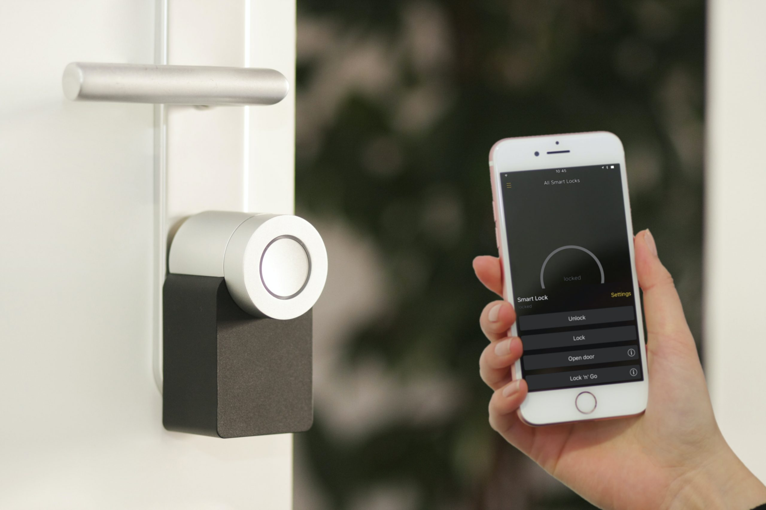 Smart lock bug could let hackers locate you and unlock your door, remotely - Security Report